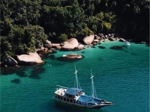 Foto de Passeio de Barco Paraty Ilha do Algodão